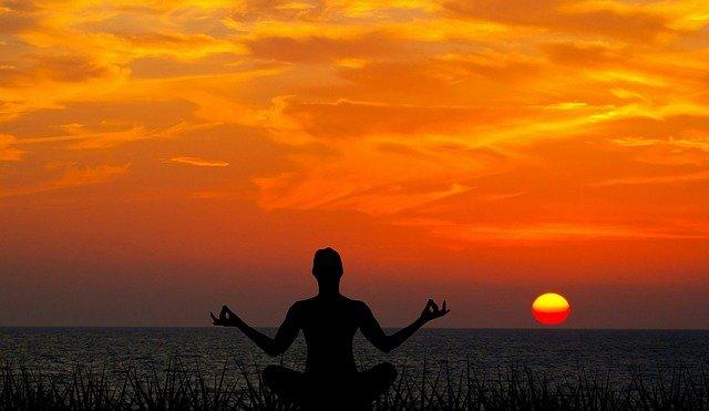 meditace při západu slunce.jpg