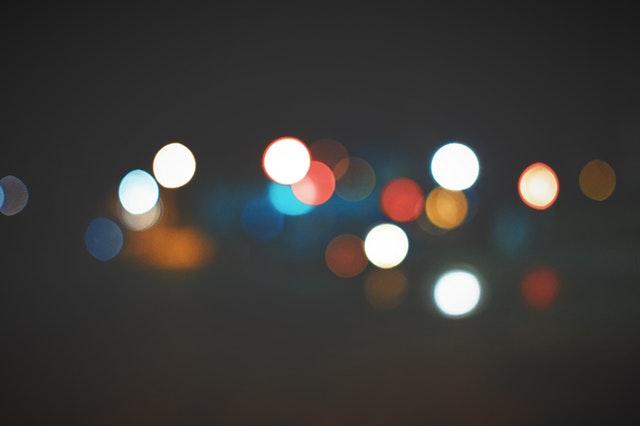 rozmazané odlesky svetla.jpg